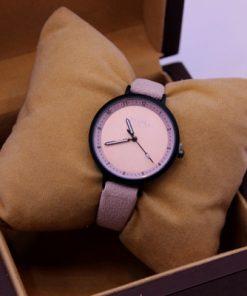 ساعت تاکیا صورتی