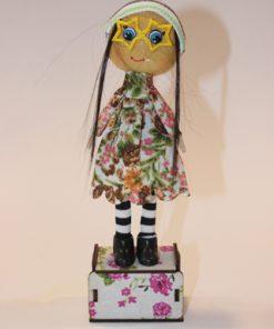 عروسک دکوری